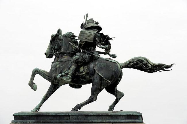 銅像1.jpg